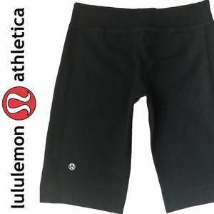 LULULEMON black thick cotton blend bermuda shorts